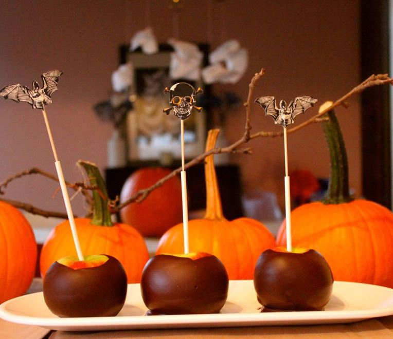 Dark Chocolate-Covered Apples